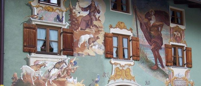 художественная роспись фасада дома